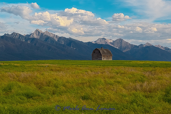 Old barn in the Mission Valley - IMG_5687 \_(ツ)_/¯ Please share and like the A Montana View Facebook page! Thanks so much for viewing.   visit www.amontanaview.com   #Photography #Montana #MontanaMoment #MissionMountains - Buy this photo at this link http://smu.gs/1Q9I02Q